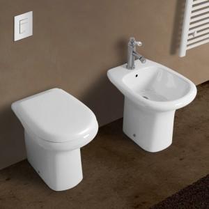 Coppia di sanitari Orient completi di lavabo e copriwater