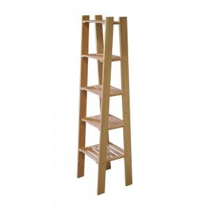 scaffaele in legno moderno